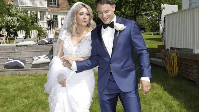 Det var i början av sommaren som Camilla Läckberg och Simon Sköld gifte sig.