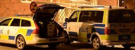Person förd till sjukhus  efter skottlossning