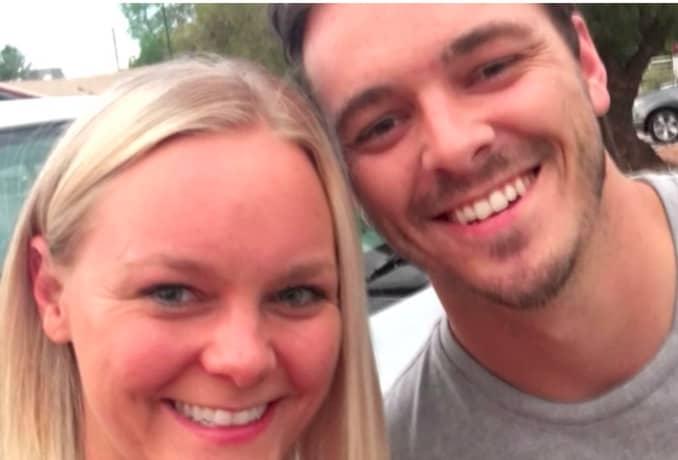 Christina Housel träffade efter 30 år sin okända bror Lyle James Berryman för första gången. Foto: Youtube