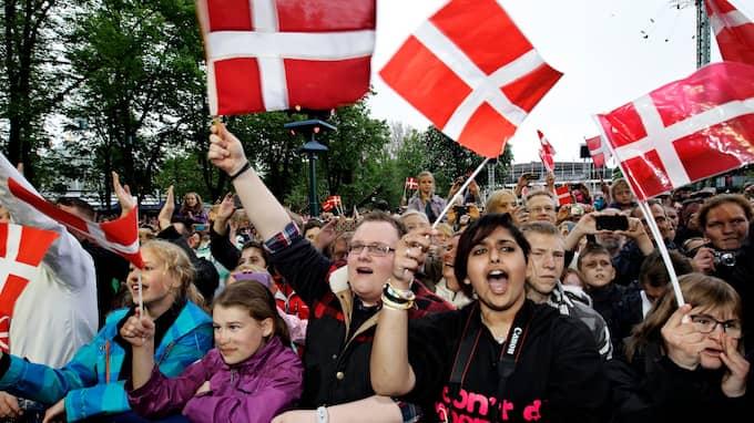 """Danskarna är """"røde og vhide"""" – men de bor också i ett ganska märkligt land. Foto: JENS DRESLING / AP POLFOTO"""