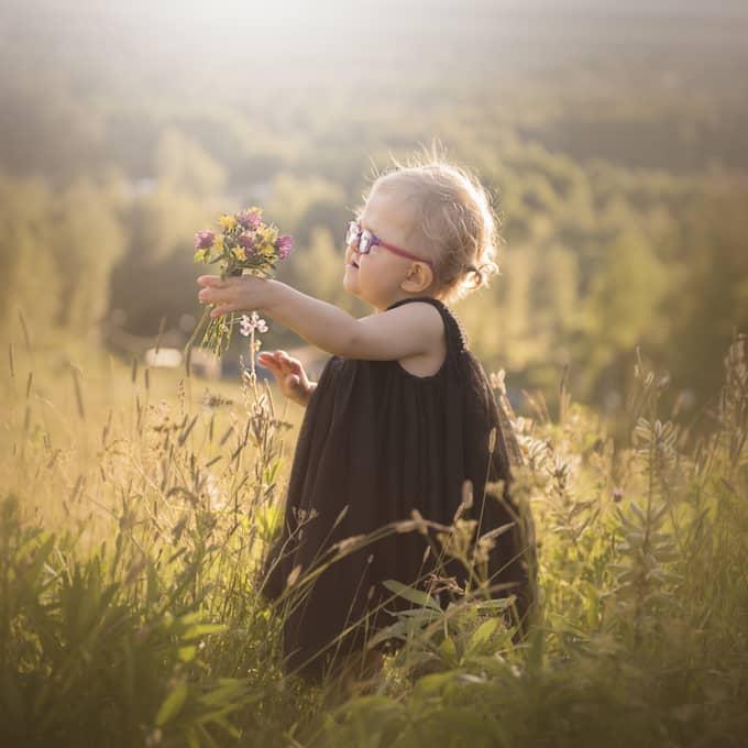 Nu är hon stjärnan i ett nytt fotoprojekt för barn med särskilda behov. Foto: Memories By Julia