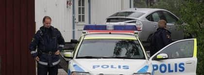 18 man hittades strypta i buss