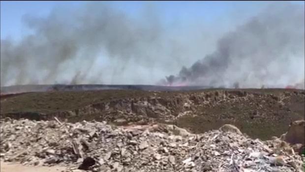 Brand rasar på grekisk ö – hundratals svenskar på plats