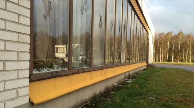 Grönkullaskolan i Alvesta håller i dag helt stängt – och ansvariga på skolan är förtegna om varför men anställda i kommunen ska ha utsatts för hot. Foto: Per Jodenius/Smålandsposten