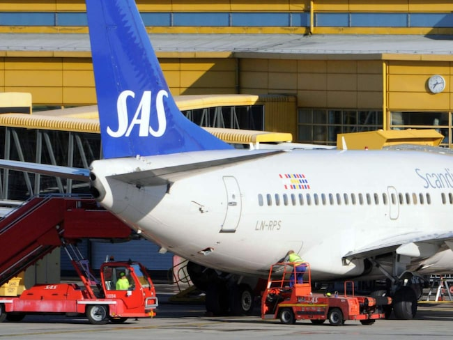 430 svenska SAS-piloter kan vid midnatt gå ut i strejk - och tusentals resenärer riskerar att drabbas.
