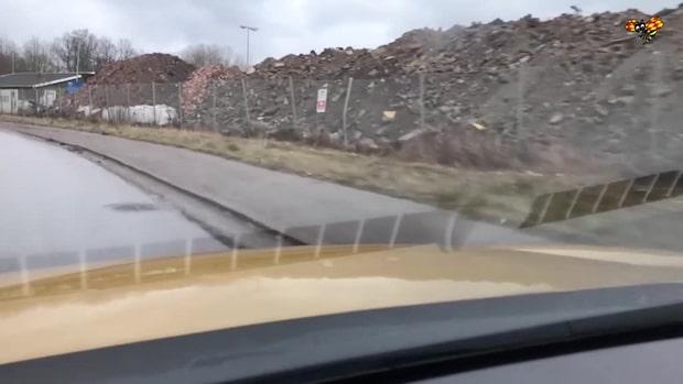 Hundratals ton batteriavfall dumpades i en svensk åker