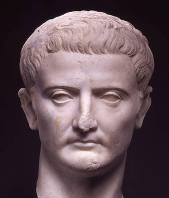 Tiberius Sex 87