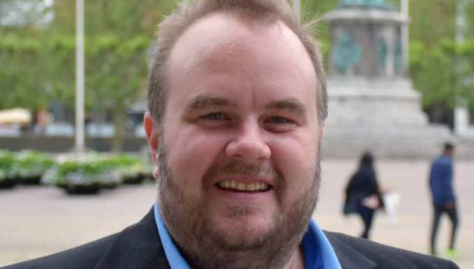 """""""Jag har varit med sedan 2003 och känner mig hemma i partiet, trots att jag inte sympatiserar med alla beslut och är rätt skeptisk mot de senaste regeringsbesluten"""", säger Nils Karlsson."""