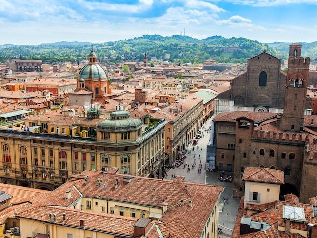 Bolognas borgmästare har startat en hatkampanj mot pastarätten som gjorde hans stad världsberömd.