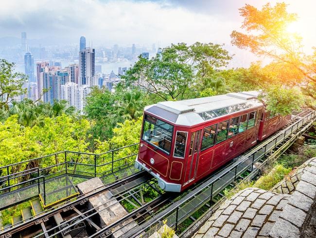 I Xi'an och Hongkong kan resenärer besöka Terracotta Warriors och njuta av utsikten vid Victoria Bay.