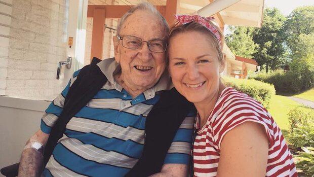 Stjärnkockens hårda kamp – för farfar Rolfs äldrevård