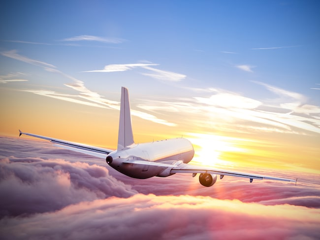 Det smartaste sättet att utnyttja resväskans utrymme maximalt är att rulla plaggen.
