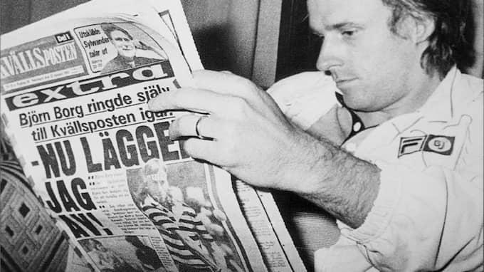 Björn Borg läser sitt eget överraskande beslut att sluta med tennis, ett scoop som tidningen kunde få genom Arne Reimers nära kontakter med stjärnan. Foto: KVÄLLSPOSTEN