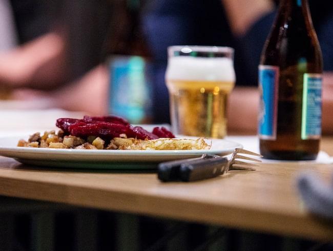 Så enkelt räknar du ut hur mycket alkohol det du dricker – omräknat till ren sprit...