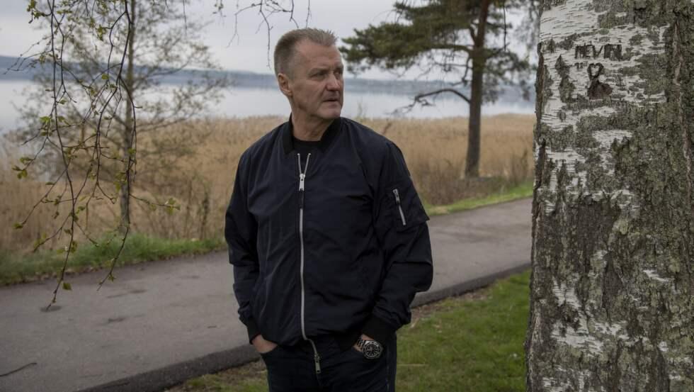 19 år efter utredningen kring mordet på Kevin återvänder förundersökningsledaren Rolf Sandberg till platsen där 4-åringen hittades död. För Expressen avslöjar poliskommissarien hittills okända uppgifter om fallet. Foto: Niclas Hammarström / NICLAS HAMMARSTRÖM