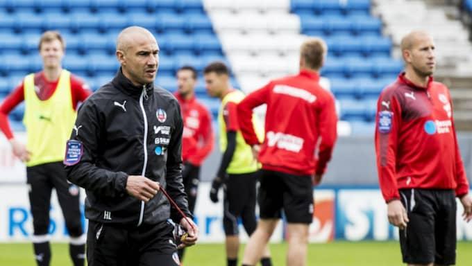 """""""Ingenting är klart"""", säger HIF-managern Henrik Larsson. Foto: Christian Örnberg"""