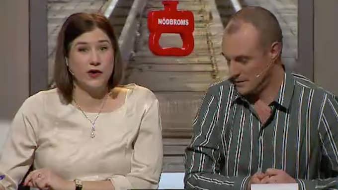 """""""Redan i försnacket hade Kristin Lundell varnat tittarna. Denna gång skulle hon och Johan Hilton satsa mer på aggressivitet"""". Foto: SVT"""