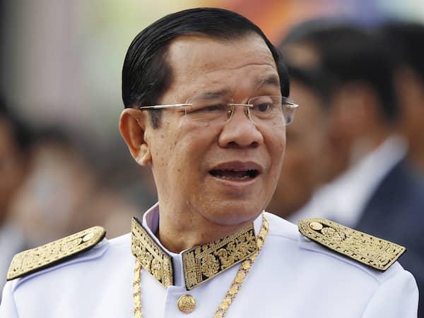 Oppositionsledare ater i kambodja