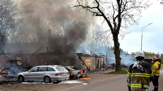 Branden har spridit sig. Foto: Johan Sjöström