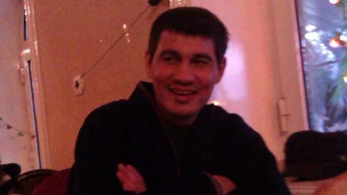Rakhmat Akilov, som sitter anhållen på sannolika skäl misstänkt för terroristbrott genom mord i Stockholm, skrev i en chatt, som refererats av flera ryska medier, med en privatperson, som sedan spridits av twitterkontot TVJIHAD.