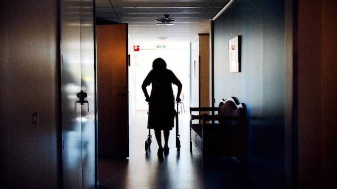 Folksams nya förslag, att fördubbla den minsta tiden att ta ut sin tjänstepension, kommer drabba sjuka äldre som inte hinner ta ut sina pensionspengar. Foto: Sofia Sabel