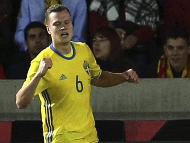 Claesson tvåmålsskytt för Sverige - här gör han 2-2