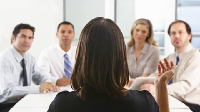 Bara en liten del av löneskillnaderna mellan kvinnor och män går att förklara. Foto: Monkey Business Images