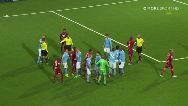 Stort bråk efter slutsignal - MFF räddar straff i matchens sista sekund