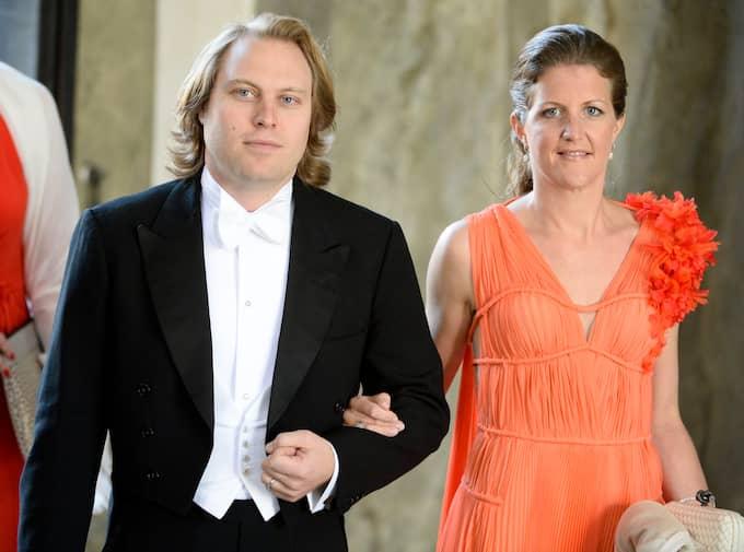 Katarina Martinson och maken Carl på in till prinsessan Madeleines och Chris O'Neill bröllop i juni 2013. Katarina och Madeleine är väninnor. Foto: Scanpix