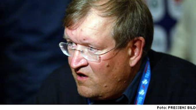 - Vi ber om ursäkt för att detta har kunnat hända. Om förbundet kräver det så är vi beredda att avgå, sa förbundsordföranden Seppo Rehunen.
