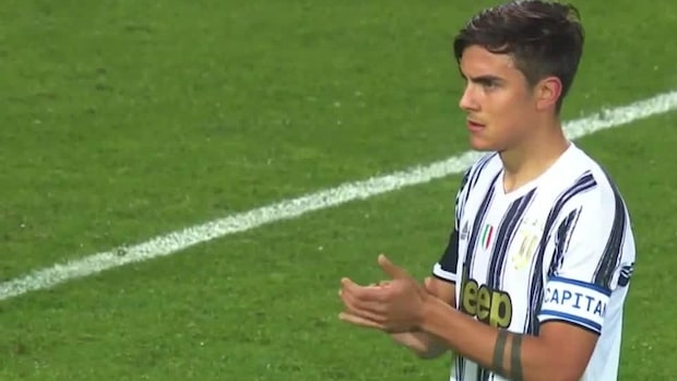 Spelarna avbryter matchen – för att hylla Diego Maradona