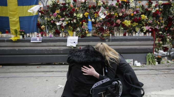 MORDPLATSEN. Drottninggatan efter dådet. Foto: Markus Schreiber / AP TT NYHETSBYRÅN