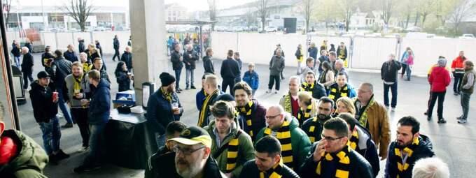 Gänget på väg in på arenan. Foto: Anna Svanberg