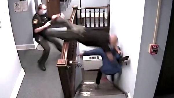 Polisens spektakulära satsning – när mannen flyr ur rätten