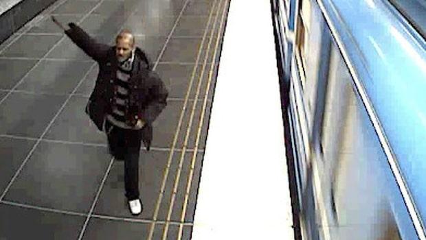 Rasistattack mot 12-åring på tunnelbanan – nu jagas en man av polisen