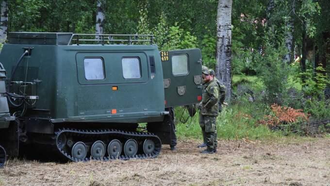 Hemvärnet är också på plats i sökinsatsen. Foto: Daniel Sjöholm