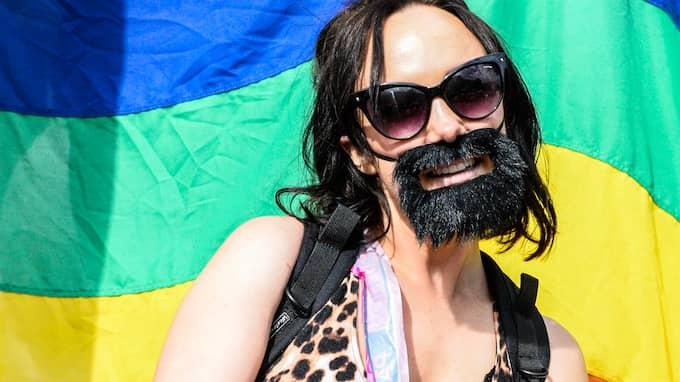 Vanya Eide från Göteborg njöt över att vara med i årets pridetåg. Foto: HANNA BRUNLÖF / GT/EXPRESSEN