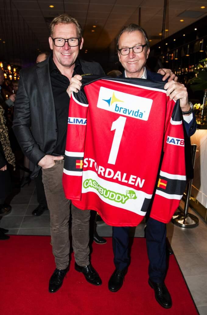 """Malmö Redhawks sportchef, Patrik Sylvegård, kom i sällskap med Redhawks ordförande, Tommy Qvartfort för att kolla vad Percy Nilssons nya """"konkurrent"""" sysslar med i Hyllie. Foto: Christian Örnberg"""