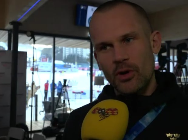 """Holm delar ut medaljen till Hansdotter: """"Valde den"""""""