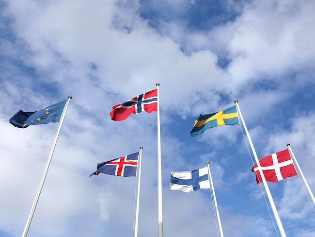 Norges flagga hyllar både Danmark och Sverige – men innehåller fler flaggor än så.