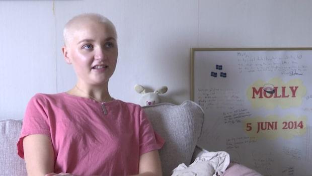 Molly, 22 vet att hon ska dö i cancer