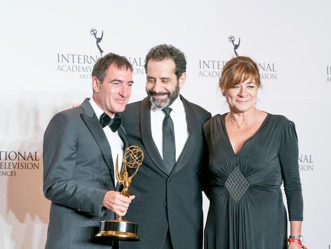 Filmskaparen Alex Pina (till vänster) fick en Emmy för bästa tv-drama på gala i New York i fjol.