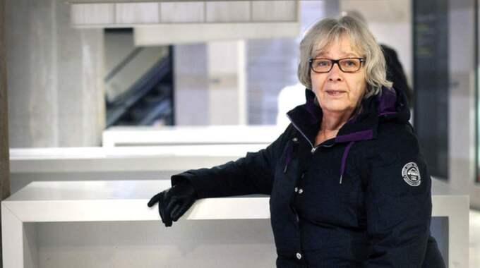 """Agneta Wong, 66, statstjänsteman, Stockholm: """"Jag har inga problem med ekonomin nu, men jag kan förstå att barnfamiljer har det tufft. Ett tips är att alltid ha matlåda till jobbet!"""" Foto: Susanna Forsell Exp"""