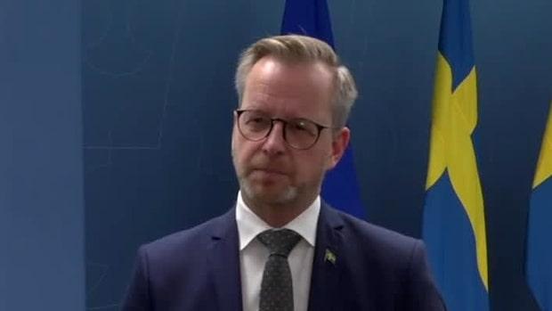 """Inrikesministern: """"Vi ska inte ha fulla dansgolv"""""""