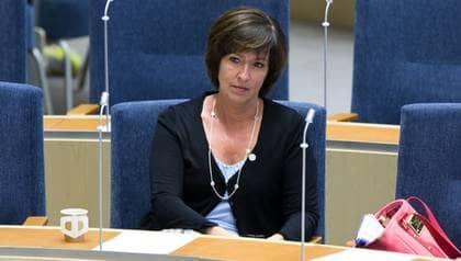 Mona Sahlin skyller katastrofsiffrorna på Wanja Lundby-Wedin och säger att LO-basen bör lämna AMF:s styrelse. Foto: Roger Vikström