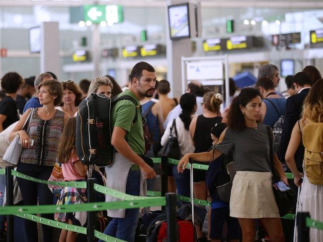 På Barcelonas flygplats ringlade köerna långa i början av augusti.