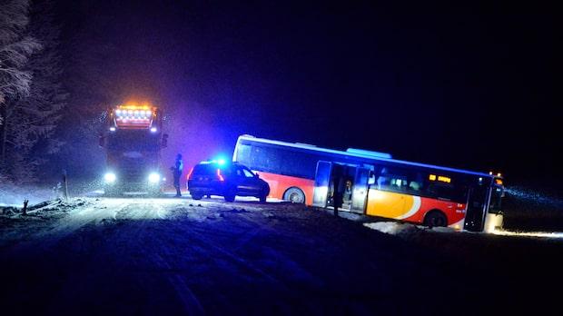Flera olyckor efter snökaos och halka