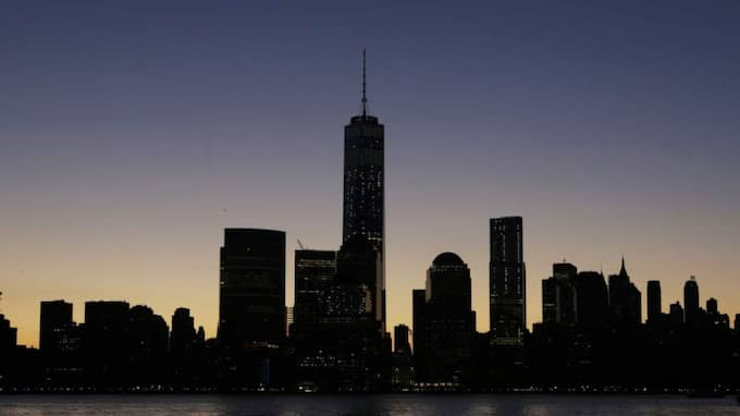 NEW YORKS NYA SKYLINE. I går öppnade One World Trade Center - USA:s högsta byggnad. Foto: Mark Lennihan/AP