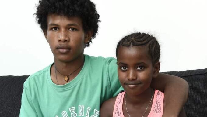 Kusinerna Samiel Tadese, 14, och Mihret Brhane, 8, ska utvisas. De är ensamkommande flyktingbarn från Eritrea. Foto: Mikael Fritzon