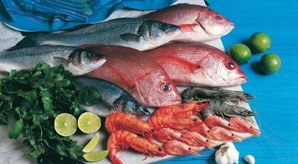 Räkor och fisk är bra mat när man äter enligt GI.